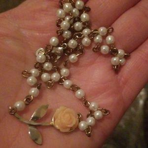 Jewelry - Flower chocker necklace